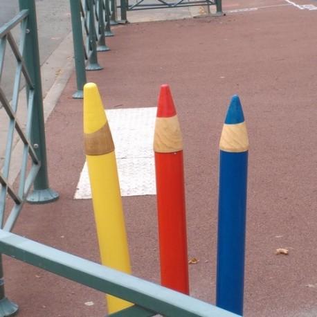 Totem trois petits crayons